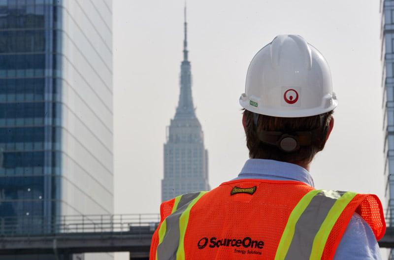hudson-yards-veolia-employee-observing-skyline