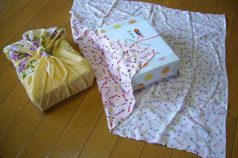 japanese-furoshiki-wrapping
